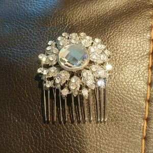 Accessories - ⭐HP⭐ Hair Comb Accessory